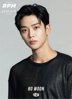 Seoul Fashion Week, Neoz School, Seong, Korean Male Actors, Korean Celebrities, Asian Actors, Sf9 Taeyang, Jung Hyun, Model Face