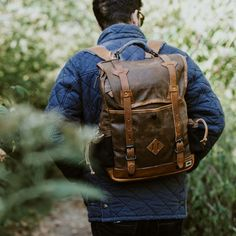 The Dakota Vintage Commuter Backpack: built to last a lifetime, both on your back or in your hand. Plus, it's made with waxed canvas for a laid-back style. Waxed Canvas Bag, Canvas Backpack, Canvas Leather, Tan Leather, Distressed Leather, Leather Bags, Canvas Bags, Leather Jackets, Leather Backpacks