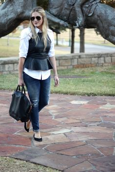 Leather peplum top and blouse Peplum Top Outfits, Hot Outfits, Casual Outfits, Fashion Outfits, Womens Fashion, Street Style Chic, Leather Peplum Tops, Look Jean, Tomboy Fashion