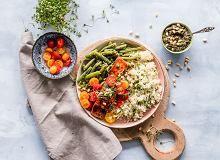 Co jeść na kolację żeby nie przytyć? Oto propozycje od Ewy Chodakowskiej Pesto Light, Plats Quinoa, Tortas Light, Best Muscle Building Foods, Quinoa Dishes, Quinoa Bowl, Quinoa Salad, Plant Based Diet, Health And Nutrition