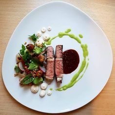 Art of Plating Food Plating Techniques, Steak Plates, Food Tech, Culinary Arts, Creative Food, Food Presentation, Food Design, Vinaigrette, Gourmet Recipes