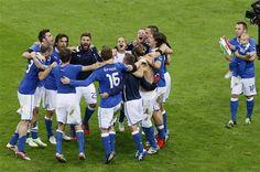 Italy celebrating victory against Germany // Euro 2012 Euro 2012, Victorious, Germany, Soccer, Italy, Celebrities, Sports, Hs Sports, Futbol