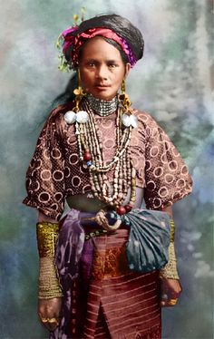 Colors for a Bygone Era: Colorized Vintage Portrait of a Women from the Ignet Tribe in Northern Philippines (circa Filipino Art, Filipino Tribal, Filipino Culture, Filipino Food, Philippine Mythology, Philippine Art, Philippine Fashion, Philippine Women, Vintage Portrait