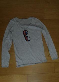 À vendre sur #vintedfrance ! http://www.vinted.fr/mode-femmes/pull-overs/25791144-pull-kookai-beige-gris-imprime-lunettes-taille-0-neuf