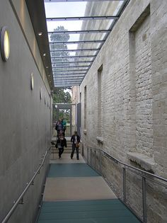 compton verney extension - Google Search Stanton Williams, Compton Verney, Extension Google, Art Gallery, House Design, Architecture, Reflection, Design Ideas, Spaces