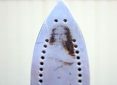 Only true believers can see Jesus in the rust from this old iron I bought at a garage sale! If you love Jesus, share this pi. Jesus Pictures, Funny Pictures, Jesus Appearance, Rorschach Inkblot, Losing My Religion, Finding Jesus, When You See It, Picture Blog, Steam Iron