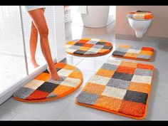 ASMR How to choose a rug for the bathroom, Diy Abschnitt, Bathroom Mat Sets, Bathroom Rugs, Bathroom Ideas, Tapetes Diy, Home Crafts, Diy And Crafts, Sewing Crafts, Sewing Projects, Braided Rag Rugs