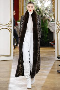 Vanessa Seward Fall 2017 Ready-to-Wear Collection - Vogue