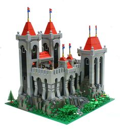 a nice grey and black castle... i particularly like the arches and the arched windows. this castle has good, clean lines and still manages to look complex. i also like the different shades of grey he used for the stone in the castle walls, that's what helps give simple designs complexity.