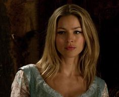 Tabrett Bethell of Legend of the Seeker