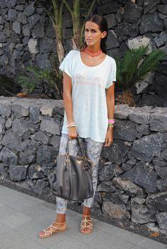 Total look de Zara, bolso Prada