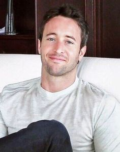 ♥♥♥ Alex O'Loughlin - TV Guide Magazine H50 Sneak Peek interview - Aug 2010