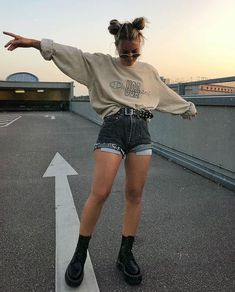 Grunge aesthetic docs outfit goals ootd fashion style stylish girls The clothing culture is fairly old. Skater Girl Outfits, Teen Fashion Outfits, Edgy Outfits, Mode Outfits, Retro Outfits, Cute Casual Outfits, Vintage Outfits, Fashion Belts, Edgy School Outfits
