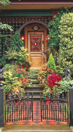 Colorful entrance to a Queen Anne Victorian in Seattle • photo: William Wright on OldHouse online