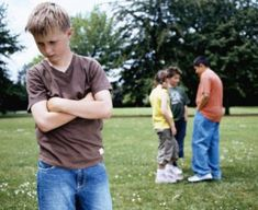 Advice for parents: How to help kids deal with cliques from Tween Us