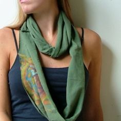 Upcycle any tee shirt into a fantastic fall infinity scarf! (looks like the easiest one)