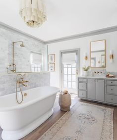 Bathroom Renos, Bathroom Renovations, Bathroom Ideas, Budget Bathroom, Bathroom Inspo, Master Suite Bathroom, Master Bathtub Ideas, Master Baths, Bedroom Photography
