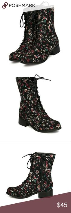 valentine saleFloral canvas combat boots As much as I love these boots, they are too narrow for my feet.. wore them once.  Excellent condition.  Lace up front and zip up sides. Shoes Combat & Moto Boots