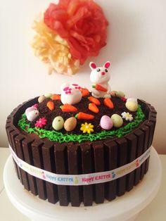 Gâteau de Pâques au chocolat Chocolate Easter Cake, Dessert Original, Decoration Patisserie, Pastry Cake, Easter Recipes, Kids Meals, Fondant, Sweets, Food