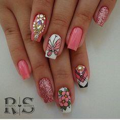 Nails maravilhosa feita por ➡️ @rehsoaresoficial 🔝💅🏼💕#unhasdivas #unhasdeluxo #unhasecores #unhasdecoradas #unhasartísticas #unhasbemfeitas #nailsinspire #nailsinstagram #nailsart #nails #nails2inspire #repost #nailsofinstagram #nailspromote #kiss💋 Butterfly Nail Designs, Diy Nail Designs, Fancy Nails, Pretty Nails, Fabulous Nails, Perfect Nails, Animal Nail Art, Stylish Nails, Gel Nail Art