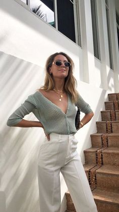 You are in the right place about casual summer outfits skirt Here we offer you the most beautiful pi Casual Summer Outfits, Chic Outfits, Outfit Summer, Paris Mode, Cardigan, Street Style Summer, Looks Style, Parisian Style, Look Fashion