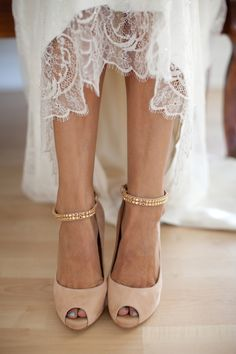 Peep toes + lace.