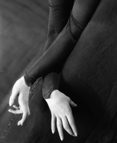 All time favourite hand pic...The graceful hands of actress Tilly Losch.  Photographed by E.O. Hoppe, 1928.