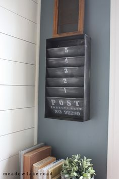 upcycled metal wall organizer | www.meadowlakeroad.com