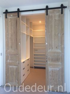 Wardrobe Design Bedroom, Master Bedroom Closet, Wardrobe Closet, Closet Renovation, Closet Remodel, Bedroom Layouts, Room Ideas Bedroom, Home Room Design, Home Interior Design