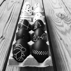 Instagram @grayglow   Easter Decor   Black and White   Scandinavian Style   Scandi   Minimal   Easter Egg DIY