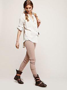 Soft Legging   Soft heathered legging with elastic waist and ruffled bottom hem.  Stretchy fit.