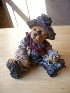 """Boyd Bears Friends 1994 """"Hop-A-Long…the Deputy"""". Processing usually takes 1 to 2 days then allow . Boyds Bears, Teddy Bears, Baby Bears, Country Bears, Calendar Wallpaper, Lion Sculpture, Plush, Friends, Animals"""