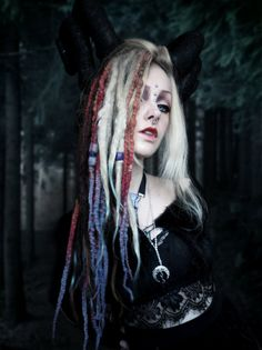 Psychara / Althemy / Photoshoots/ Art / Fashion / Alternative / Forest Witch / Blogger