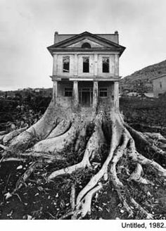 An interview with Jerry Uelsmann:  http://www.photovisionmagazine.com/articles/uelsmann.html