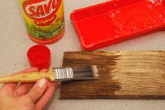 Ako zosvetliť staré drevo? Savo ho zmení na nepoznanie. » Prakticky.sk Bamboo Cutting Board, The Originals, Kitchen, Driftwood, Home Decor, Cooking, Decoration Home, Room Decor, Kitchens
