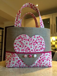 Quilted bag made for Debbie Shore using the nesting heart templates. Airing on Hochanda TV. Love this bag!