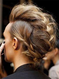 faux hawk braid- must do hairdo Love Hair, Great Hair, Amazing Hair, Amazing Braids, Beautiful Braids, Messy Hairstyles, Pretty Hairstyles, 2015 Hairstyles, Banana Clip Hairstyles