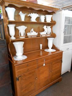 Vintage Ethan Allen solid maple hutch