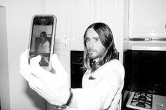 Jordan Cata--er, Jared Leto taking a selfie.