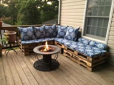 DIY Pallet Sectional Sofa for Patio | 99 Pallets