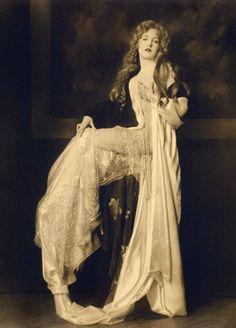 catharine moylan -1928.  omg, found my past life!
