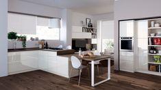 Evolution kuchyňská linka bílá, moderní multifunkční prostor, inspirace. / multifunctional living space (kitchen with living room)
