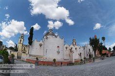 El santuario de Jesús Nazareno de Atotonilco construido por los jesuitas a unos 14 km de San Miguel de Allende Guanajuato data del siglo XVIII y es uno de los ejemplos más hermosos de la arquitectura y el arte barrocos de la Nueva España.   Este impresionante lugar fue declarado Patrimonio Mundial de la Humanidad en el 2008 por la UNESCO.   #SanMiguelDeAllende #Guanajuato #SMA #PatrimonioMX