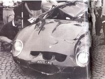 Crashed during a race in Italy Ferrari, Old Vintage Cars, Gto, Cars And Motorcycles, Race Cars, Classic Cars, Racing, Pista
