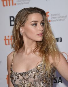 American actress, Amber Heard made her debut in the sport drama Friday Night Lights and has since starred in films including The Danish Girl, Pineapple Express and The Stepfather. There are many more facts waiting for you to discover. Amber Heard Makeup, Amber Heard Hair, Amber Heard Style, Amber Heard Photos, Amber Heard Movies, Amber Head, The Danish Girl, Long Locks, Models