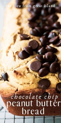 Peanut Butter Chocolate Chip Bread is the perfect quick bread.moist, peanutty, and loaded with chocolate chips! It makes an indulgent breakfast or snack. Old Fashioned Bread Pudding Recipe - Easy and simple homestead recipe to Peanut Butter Breakfast, Peanut Butter Muffins, Peanut Butter Desserts, Recipes With Peanut Butter, Peanut Butter Pound Cake Recipe, Breakfast Fruit, Sweet Breakfast, Chocolate Chip Bread, Chocolate Peanut Butter