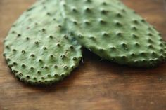 Benefits of Cactus Leaf in the Diet Cactus Leaf, also known as nopal, prickly . - Cooking tips - Diet Opuntia Cactus, Prickly Pear Cactus, Cactus Benefits, Cactus Recipe, Cactus Leaves, Tomato Nutrition, Vegan Nutrition, Diet Drinks, Health Products