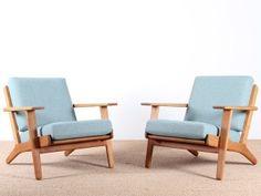 Paire de fauteuils scandinaves modèle GE 290