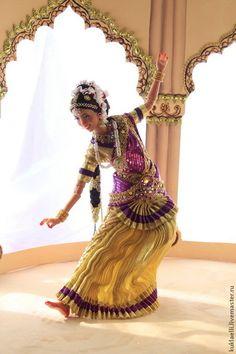Коллекционные куклы ручной работы. Заказать Кукла Индианка, танец Бхаратанатьям. Лариса Исаева. Ярмарка Мастеров. Восточная кукла, желтый
