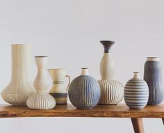 a muted palette - blueberrymodern: Akio Nukaga at Heath SF Ceramic Bowls, Ceramic Pottery, Pottery Art, Ceramic Art, Microwave Drawer, Built In Microwave, Heath Ceramics, Keramik Vase, Mid Century Art